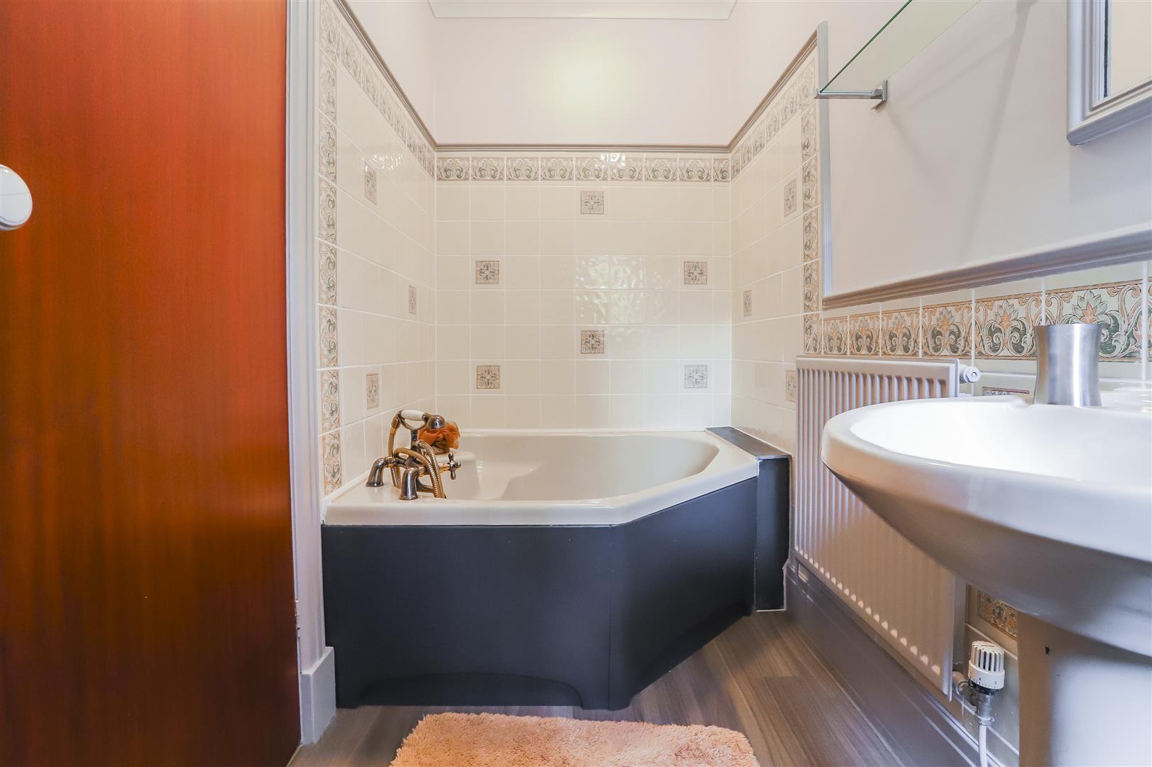 4 Bedroom Detached House For Sale - Image 55